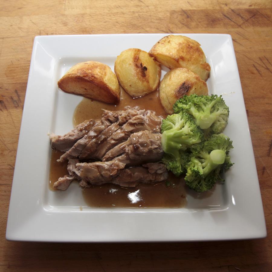 Sous vide pork tenderloin with garlic and apple recipe