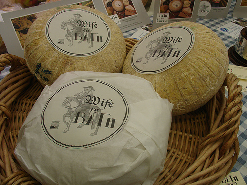 http://www.cookipedia.co.uk/wiki/images/8/89/Wife_of_Bath_cheese.jpg
