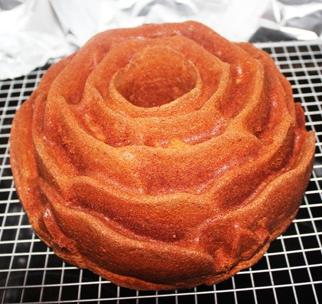 Rose Bundt Cake Images : Rose bundt cake recipe