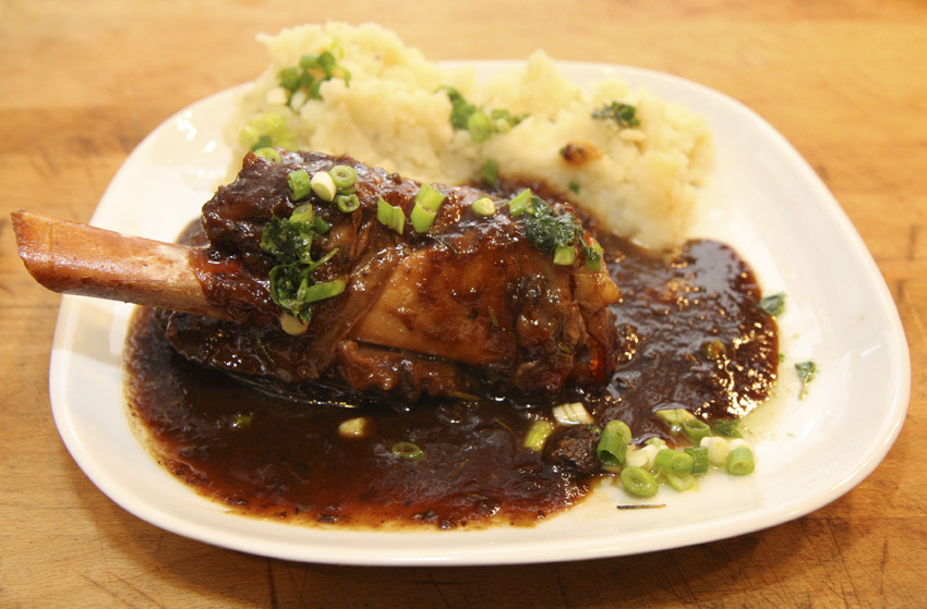 Guinness lamb shanks with dark sticky gravy a british recipe for Best gravy for lamb
