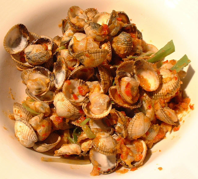 Cockles with garlic, chili and ginger a starter recipe