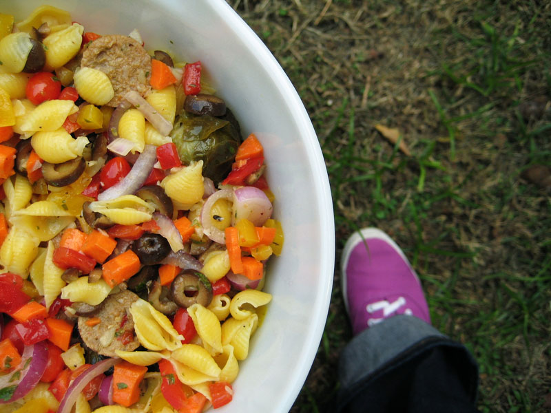 tomato and garlic pasta salad accompaniments recipe