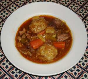 Game casserole with dumplings (slow cooker recipe)
