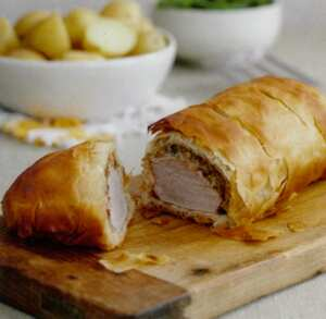 Roast pork fillet with mushrooms in filo pastry