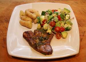 Tuna steaks with avocado salsa