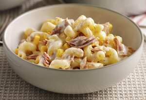 Tuna and sweetcorn pasta with Simply Stir Garlic and Herbs