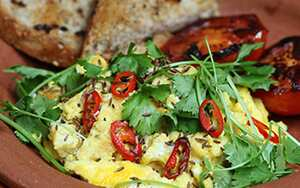 Spiced-up scramble and toms