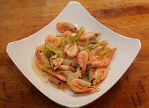 Garides Ladolemono (Prawns with oil and lemon)