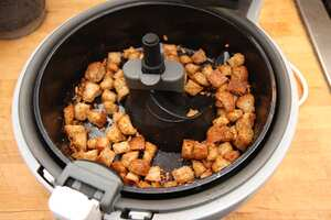 Air fried garlic croutons