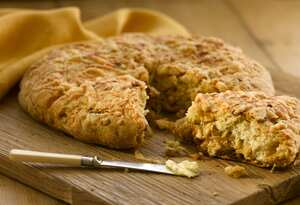 Onion and cheese soda bread