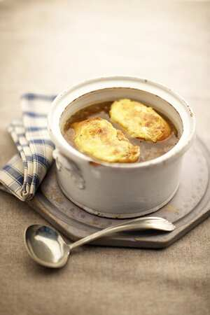 British onion soup with Welsh rarebit toasts