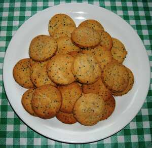 Cheese and mustard seed biscuits