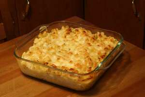 Macaroni with three cheeses