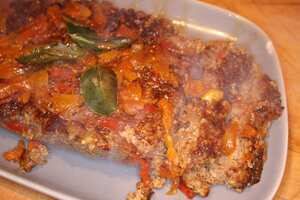 Moroccan meatloaf with peppers and pistachios
