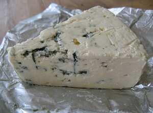 300px-Aura_cheese.jpg