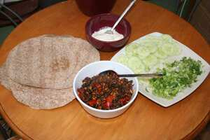Spicy lamb tortillas