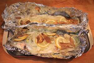 Baked trout with white wine and fennel