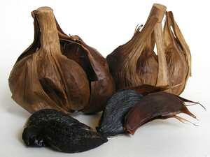 Black garlic ailoli