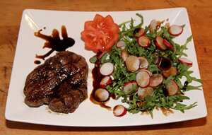 Fillet steak salad with watercress